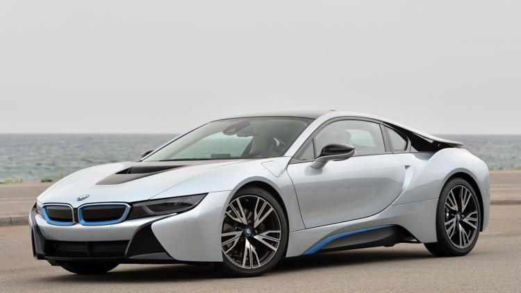 宝马BMW i8高精度汽车3D模型 C4D/MAX VRAY/FBX/OBJ格式